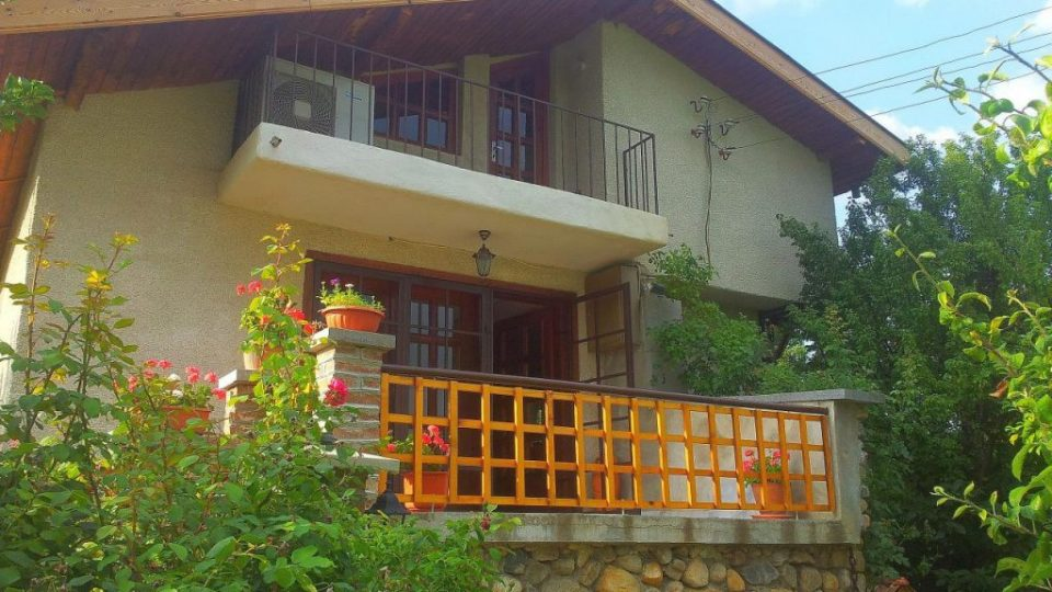 Къща за гости около София – Каза Роза – Тераса
